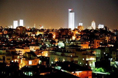 la-proxima-guerra-tel-aviv-de-noche-misiles-siria