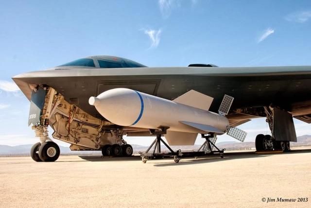 la-proxima-guerra-b-2-spirit-bombardero-gbu-57-massive-ordnance-penetrator-mop-bomba-revienta-bunkeres
